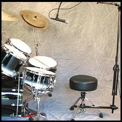Clamp-it for Singing Drummers