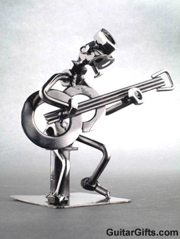 guitar-figurine-metal.jpg