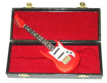 guitar-red-miniature-case.jpg
