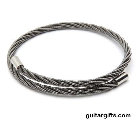 guitar-string-bracelet-06.jpg