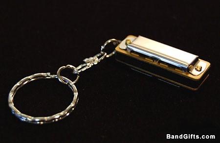 harmonica-keychain.jpg