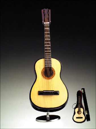mgmsc-53-miniature-guitar-with-case-2.jpg
