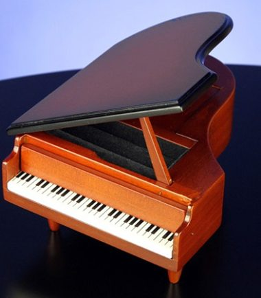 Piano Ring Box